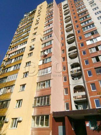 Троещина! Квартира из 3-х комнат 77 кв.м  в самом начале массива!