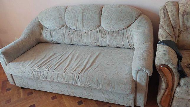 Продам раскладной двух-спальный диван и кресла к нему.
