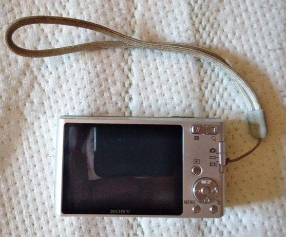 Цифровой фотоапарат Sony