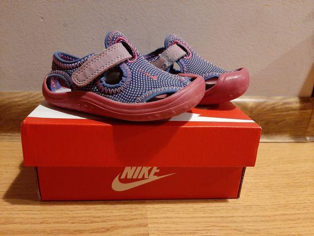 Sandałki Nike r. 21