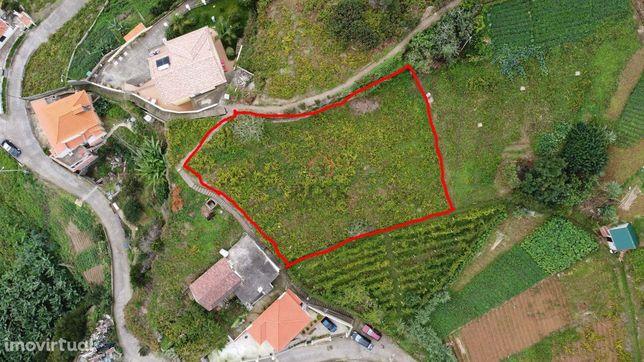 Vende-se Terreno 1050 m2 - Porto da Cruz