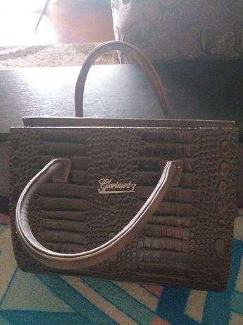 Женская сумка в отличном состояний
