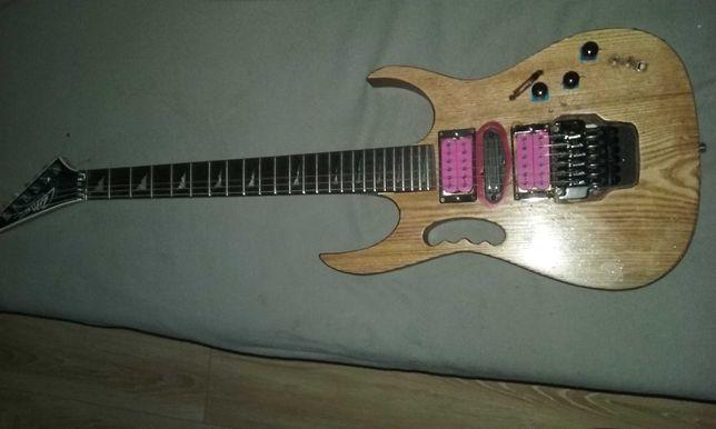 Gitara elektryczna. Niespotykana. Jedyna.