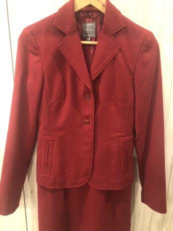 Костюмы тёплые, фирменные пиджак / юбка / платье
