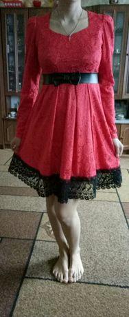 Платье розовое плаття