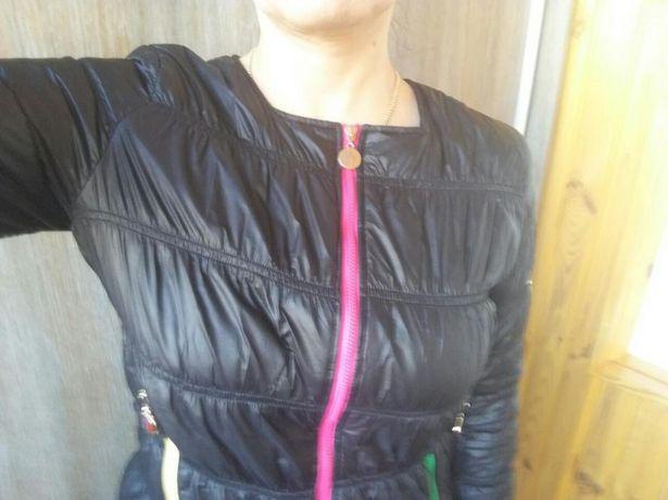 Курточка демисезон Moncler.