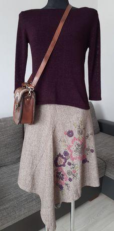 Piękny zestaw 2 sweterki+oryginalna trapezowa spódnica+darmowa wysyłka
