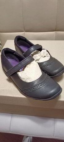 Кожаные школьные туфли George на девочку 36р, по стельке 23 см