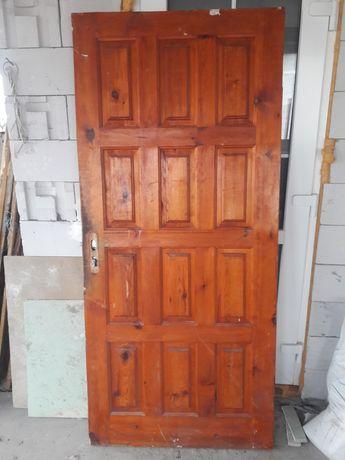 Дверь входная,межкомнатная.