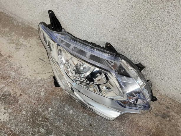 MITSUBISHI L200 / FIAT FULLBACK Lampa Przednia Prawa Bi-Xenon LED