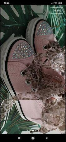 Różowe trampki dla dziewczynki,cekiny,r. 22