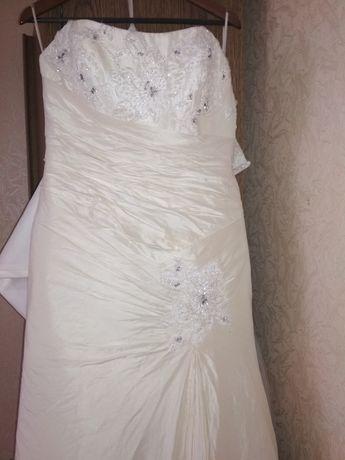 Свадебное платье, цвет светлый айвори, от Бенжамин Робертс!