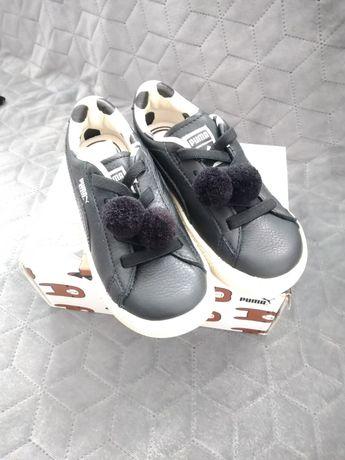 Dziecięce buty Puma z pomponikami. Rozmiar 27