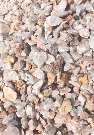 Kamień grys różowy