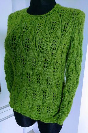 Swetr ręcznie robiony