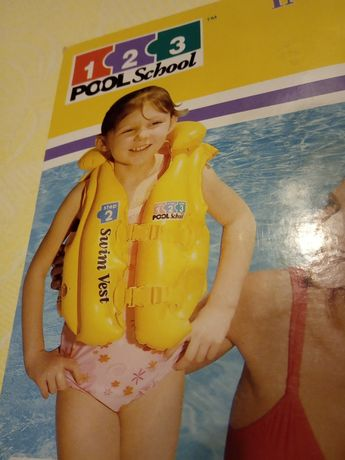 жилет для плавання