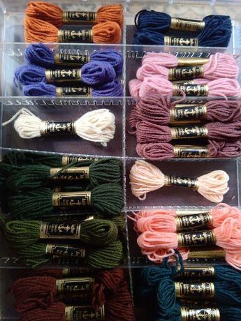 Meadas de lã para tapeçaria da Anchor
