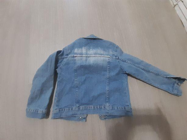 Фирменная джинсовая куртка для девочки 3-5 лет