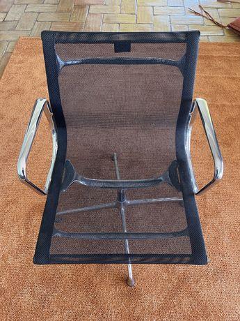 6 cadeiras de Vitra EA107