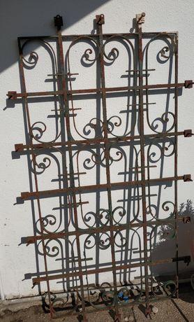 Grade de ferro forjado antiga