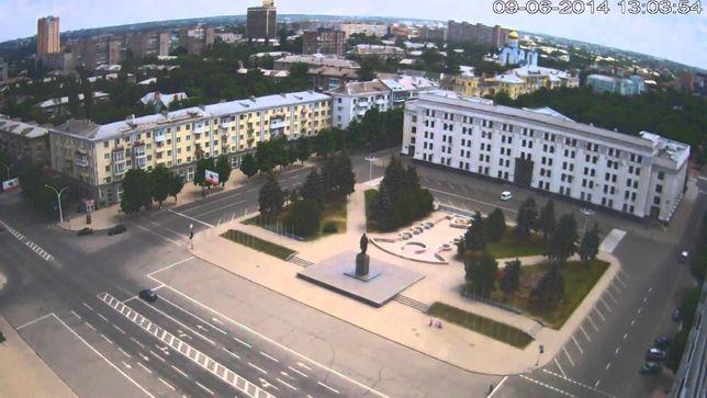 Продается трехкомнатная квартира в центре города Луганск