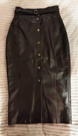 Черная юбка-карандаш