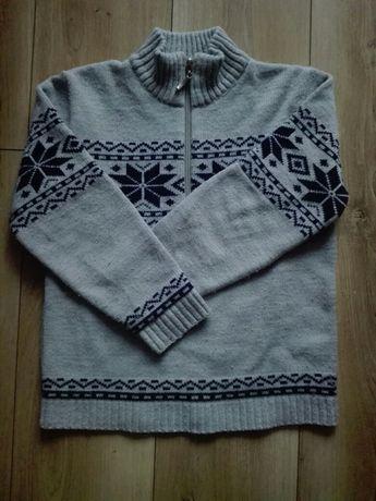 Sweterki chłopięce