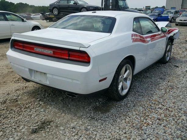 Dodge Challenger 5.7 szyba tył i inne części 2013r