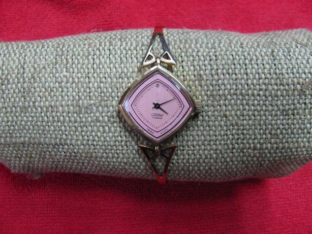 """Очень красивые женские часы """"Слава"""" с браслетом позолоченные СССР"""