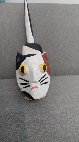 drewniana figura drewno kot z twarzą sztuka dekoracja