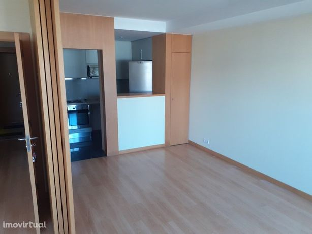 Apartamento T1+1 Arrendamento Porto