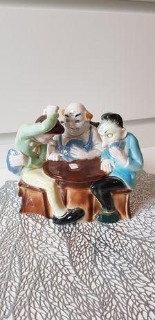 Duza Figurka stara porcelana
