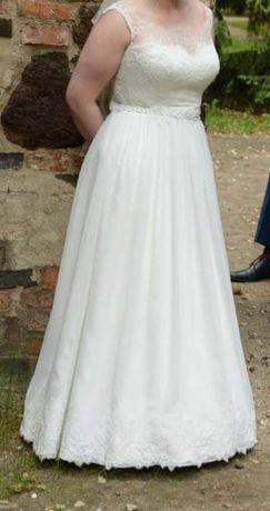 Suknia ślubna w dobrym stanie