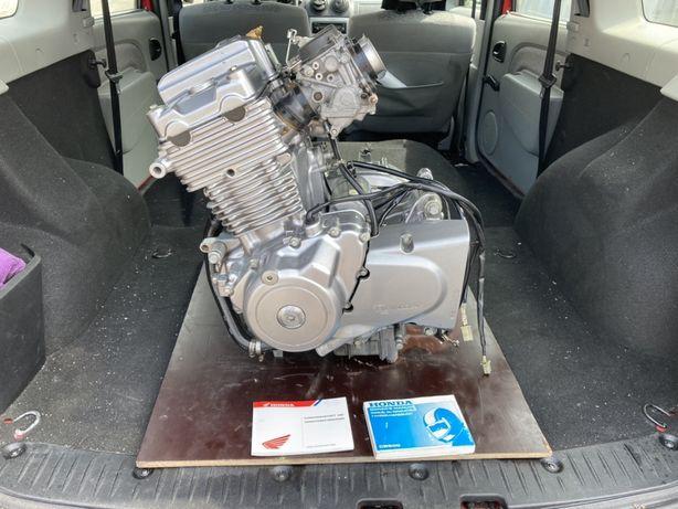 Двигатель комплектный Honda cb500
