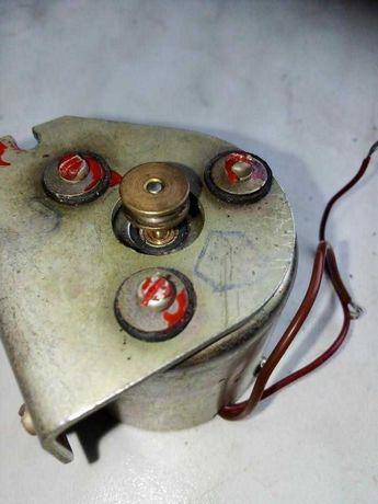 Электро двигатель постоянного тока со шкивом ДП39-0,1-2