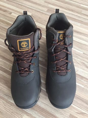 Продам ботинки Timberland новые на мальчика