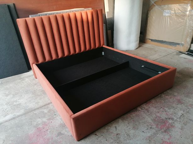 Łóżko tapicerowane producent sypialnia tapicerowana łoże stelaż welwet