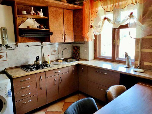 Продам 2-х комнатную квартиру с кухней-студией в Центре Одессы