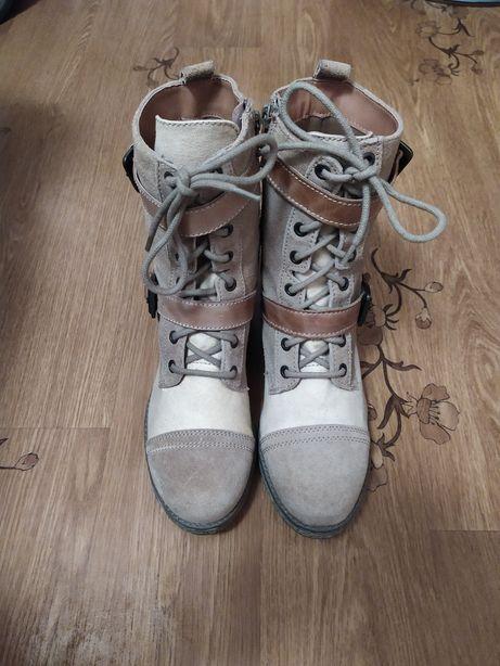 Женские демисезонные замшевые ботинки сапоги