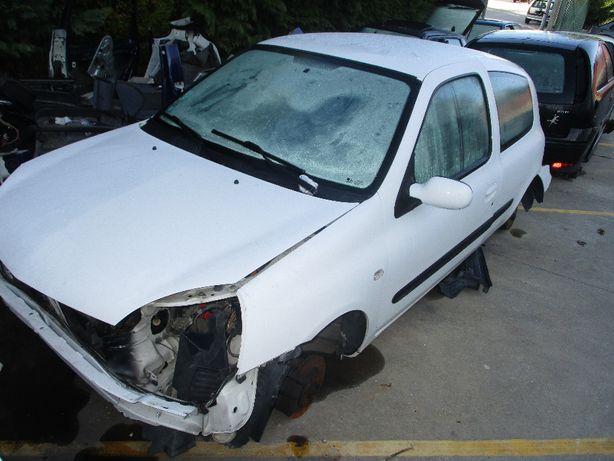 Renault Clio II Van 1.5 DCI 2004 P/Peças