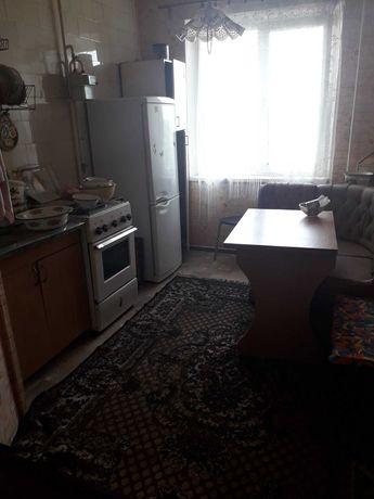 Трикімнатна квартира на Садах -1, середній поверх, не кутова!