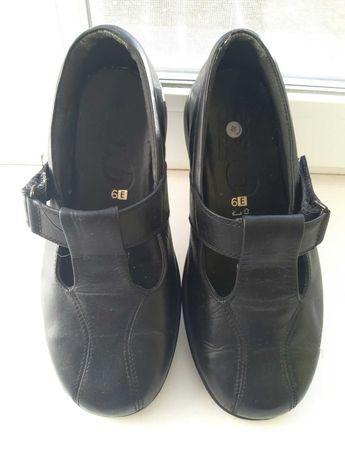 Женские кожаные туфли на широкую ногу 39-40р , стелька 25,8 см