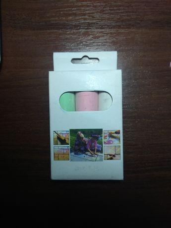 Набор разноцветных мелков 3 шт размер каждого 10х2.3 см