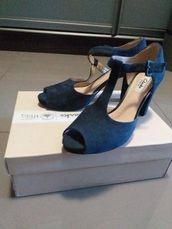 Взуття Clarks босоніжки