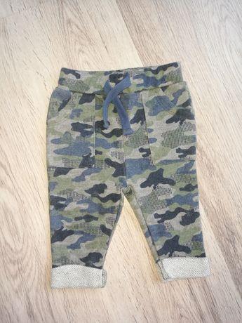 Spodnie chłopięce 62
