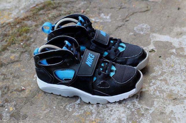 Кроссівки бігові Nike Flight Huarache Run. Оригінал. СТАН ДУЖЕ ХОРОШИЙ