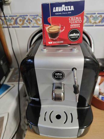Maquina de café LavaZZa