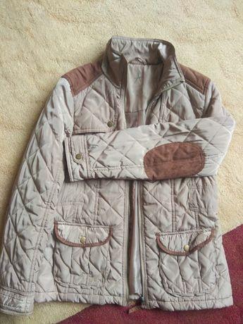 Бeжевая стильная демисезонная куртка