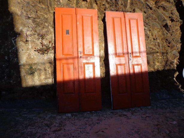 Portas antigas, 2 vãos de 2 folhas