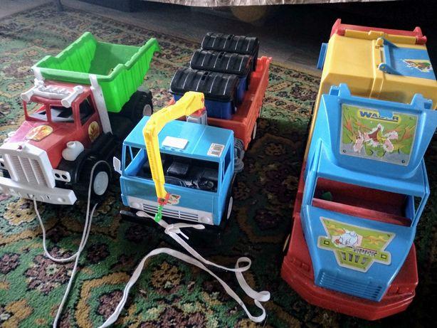 Одним лотом: Мусоровоз wader, кран-мусоровоз, самосвал